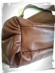 Détail fronde dessous du sac en cuir de style Gérard darel tuto home made monblabladefille.com