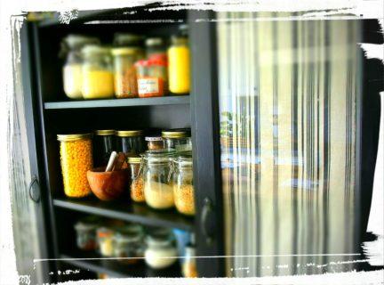 Relooking bibliothèque Billy IKEA épicerie rangement cuisine monblabladefille.com