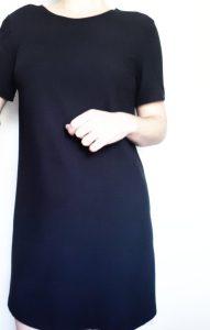 Résultat de la couture de petite robe noire à partir du patron du livre de Charlotte auzou apprendre à coudre ses vêtements et accessoires monblabladefille.com