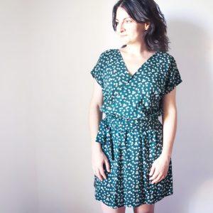 Photo robe Esmée robe portefeuille patron collection été mespatronsdefille makerist monblabladefille.com