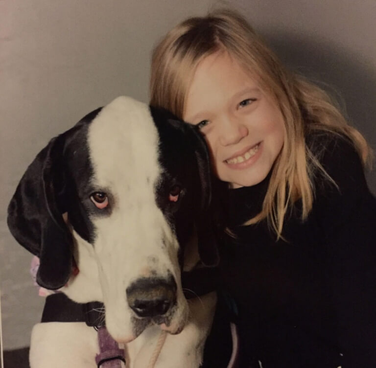 La merveilleuse histoire de Bella, 10 ans et de son chien, aide d'enfants handicapés, George portrait de deux amis