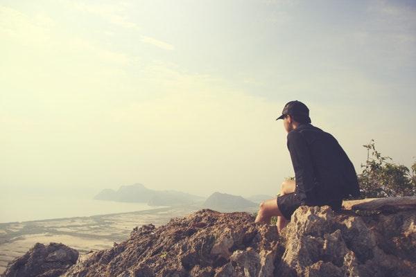 15 versets bibliques pour encourager ceux qui ont le cœur brisé