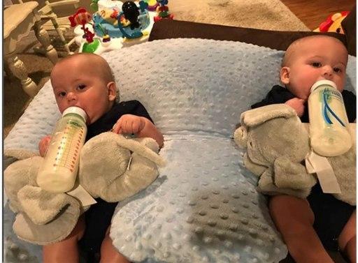 coussin d'allaitement pour jumeaux