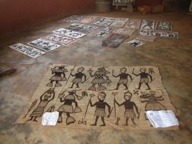 Peinture sur toile par Picasso, à Fakaha au nord de Korhogo