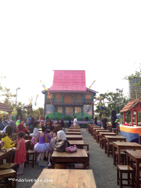 Kampung Banjar-Rumah Adat Banjar