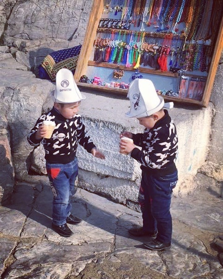 Children in Kalpaks on Suleiman Too