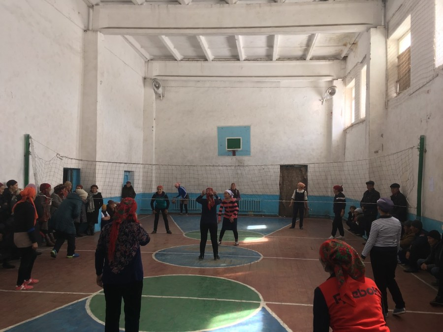 Volleyball in Chong-Alay