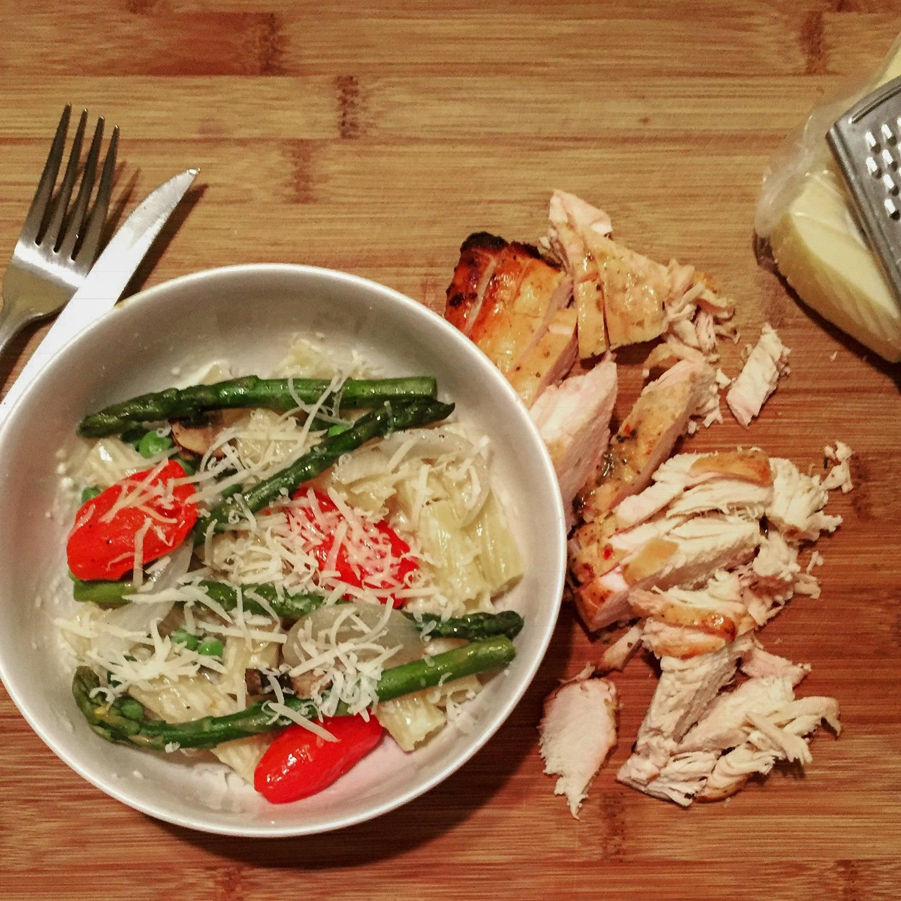 Grilled Chicken Alfredo Veggie Ziti Bowl