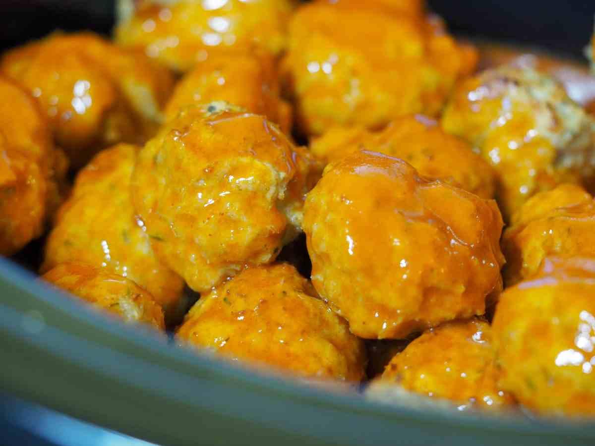 perfect easy crockpot buffalo chicken meatballs