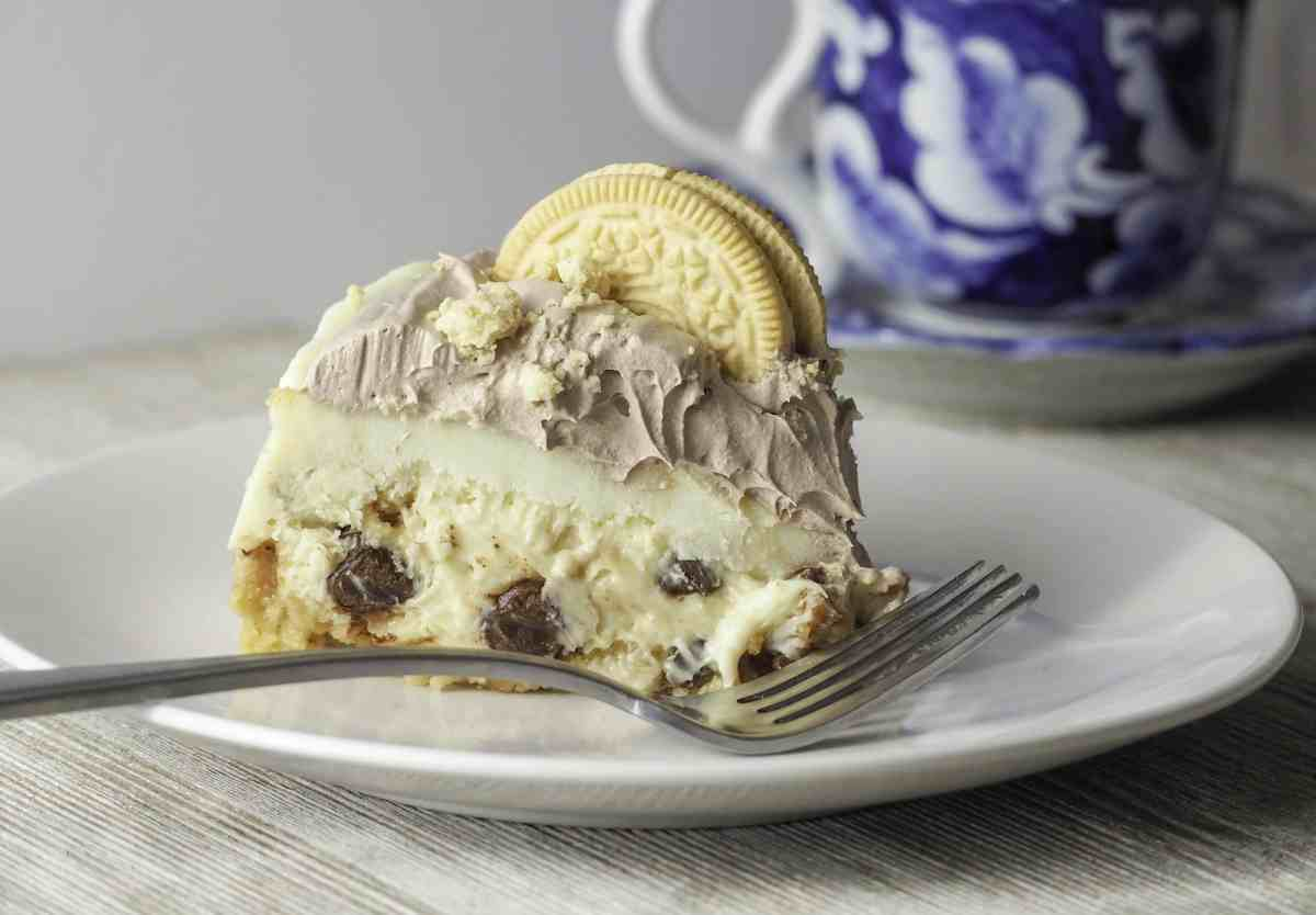 instant pot golden oreo chocolate chip cheesecake