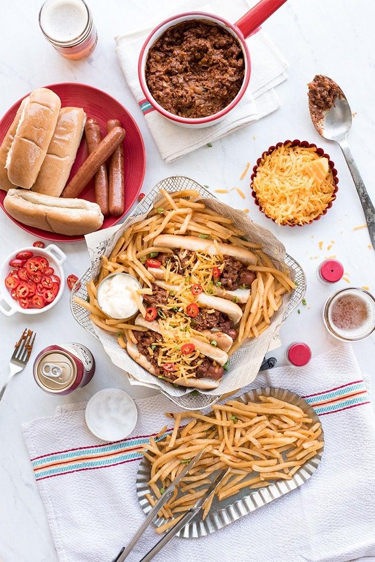30-minute homemade chili dogs