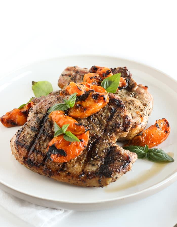 summer grilled apricot pork chops