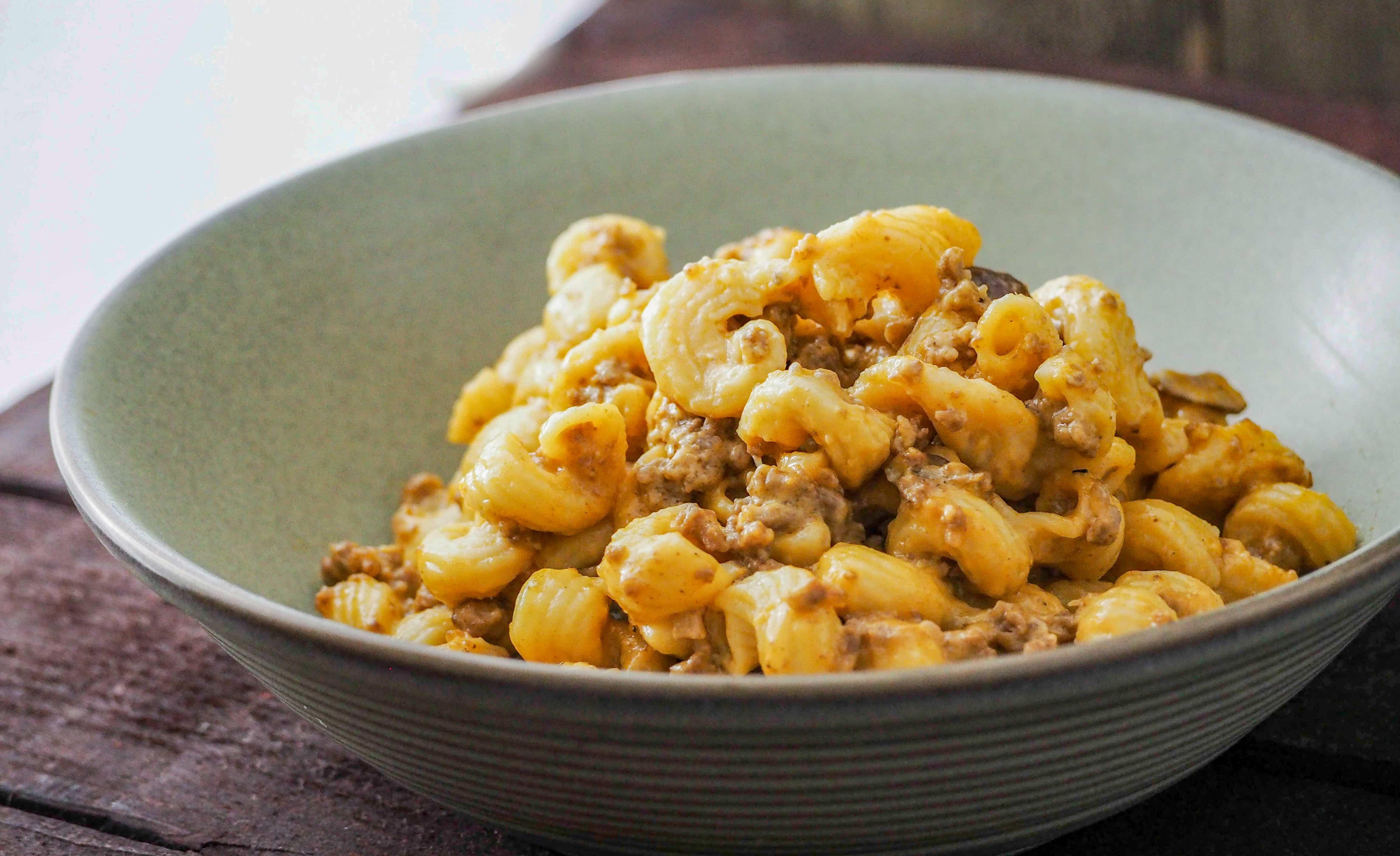 Instant Pot Cheeseburger Mushroom Pasta