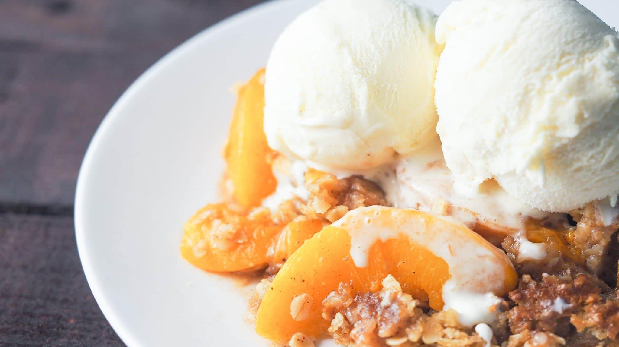 Delicious Instant Pot Spiced Peach Crisp