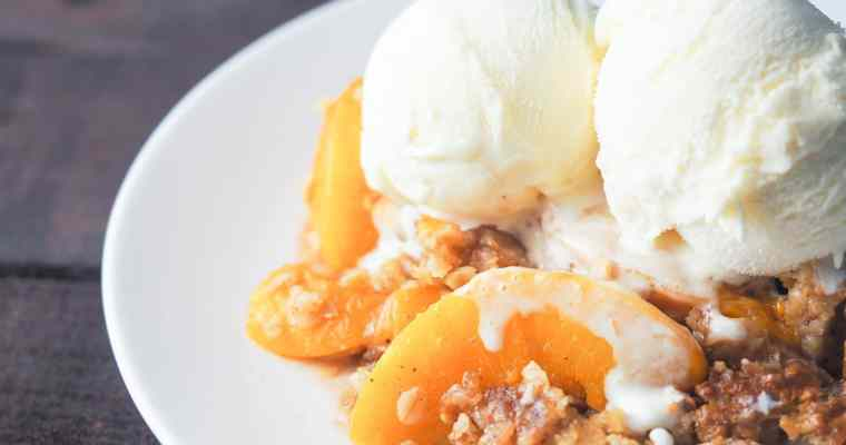 Delicious Instant Pot Spiced Peach Crisp