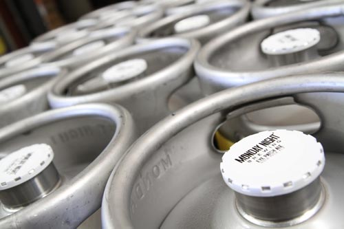 keg-toppers