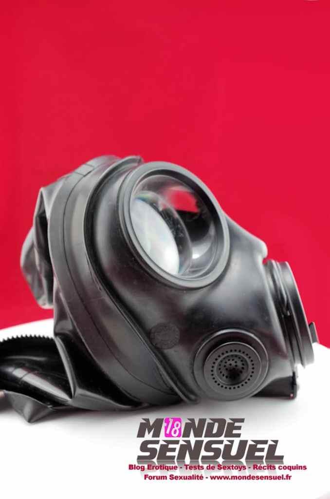 masque à gaz cagoule latex