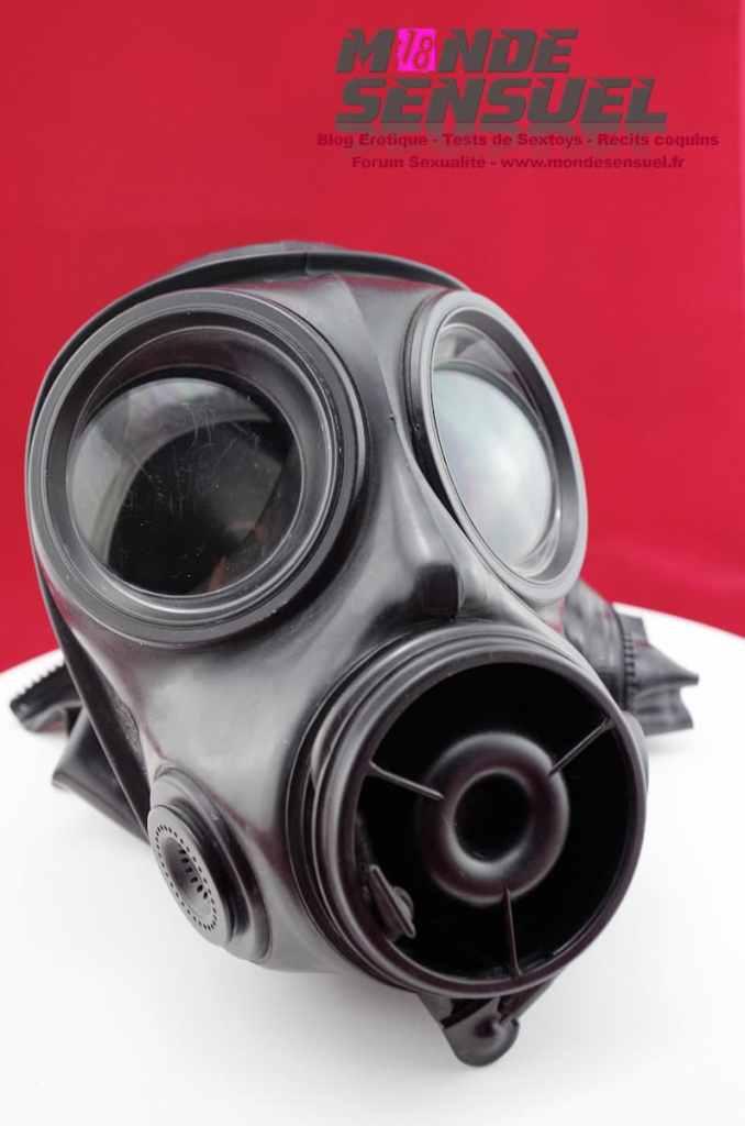 masque a gaz cagoule latex