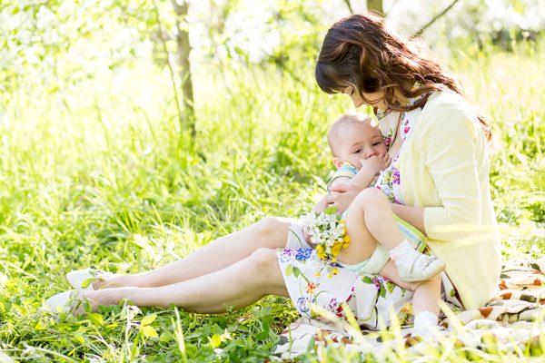 الوقاية التي تمنحها الرضاعة الطبيعية