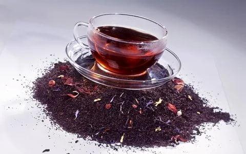 خصائص الشاي الكركديه : خاصية للشاي الكركديه الأحمر مع 7 آثار جانبية