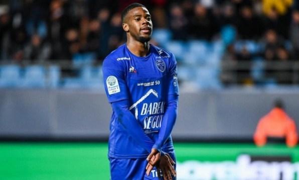 Mercato : Warren Tchimbembé va découvrir la Ligue 1