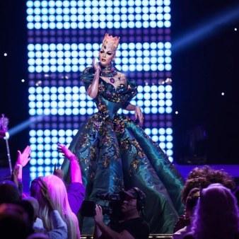 Violet Chachki veste House of Canney no Gran Finale do Rupaul Drag Race Season 8 @ divulgação (5)