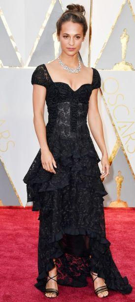 Oscar 2017 Alicia Vikander veste Louis Vuitton @ Getty1