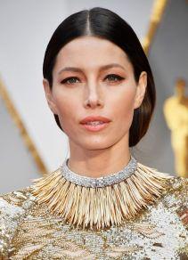 Oscar 2017 Jessica Biel veste KAUFMANFRANCO e joias Tiffany & Co. @ Getty