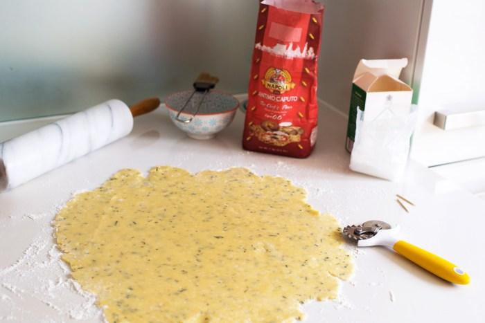 Parmesan-Rosemary-Crackers-3