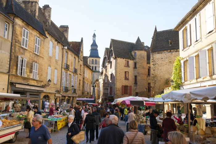 sarlat-food-market-dordogne-france-5