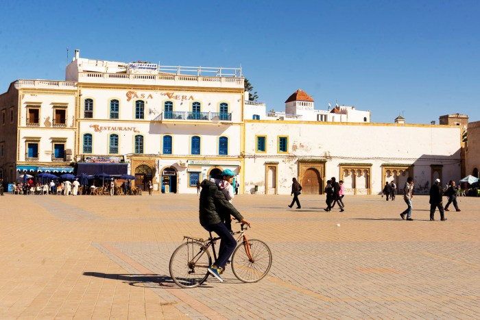 Essaouira-Place-Moulay-Hassan