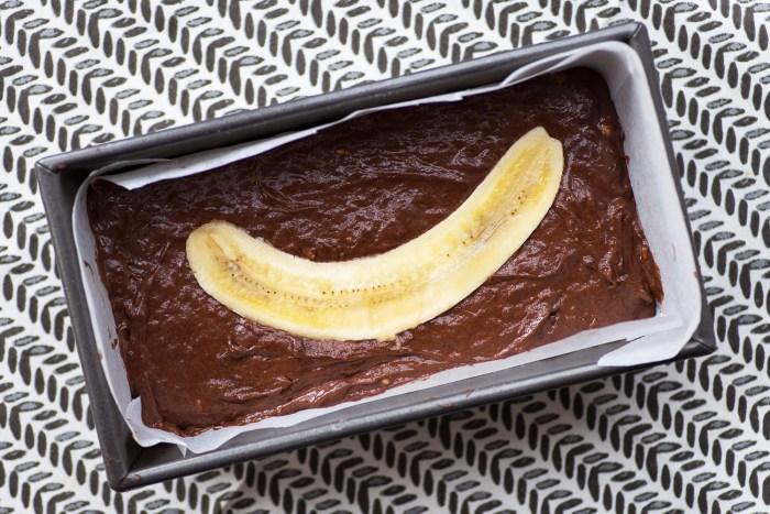 Chocolate Peanut Butter Banana Bread recipe | Photography Mondomulia