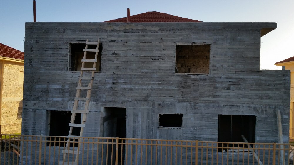 New construction in the Ofra settlement (Photo: Philip Weiss)