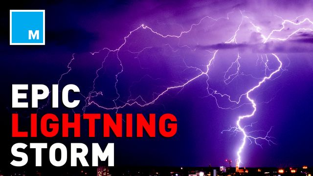 Dazzling Seattle-area lightning storm brings storm to Twitter