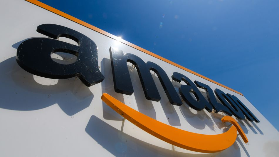 Small businesses had a brutal pandemic. Amazon's earnings more than tripled.