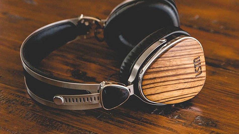 Spruce up your outfit with wood-detailed headphones.