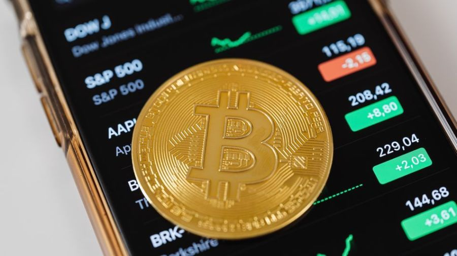 Take your cryptocurrency knowledge to the next level with this online bundle