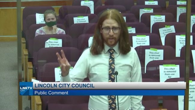 Man's viral plea to city council: Boneless wings are 'just chicken tenders'