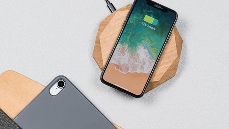 Save 20% on this stylish handcrafted oak wood wireless charger