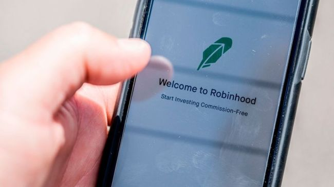 Robinhood no longer allows users to buy GameStop, AMC, BlackBerry shares