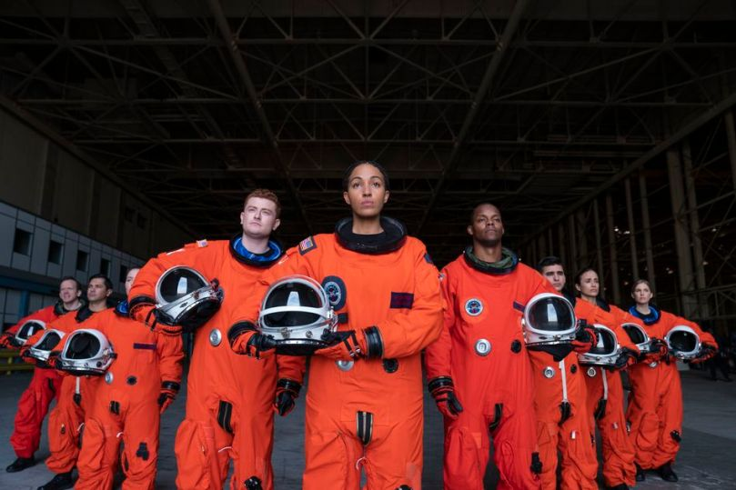 Captain Ali (Tawny Newsome, center) sets her sights on the skies.