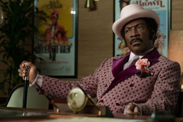 Eddie Murphy plays the struggling actor Rudy Ray Moore in