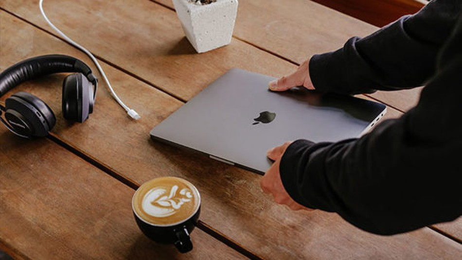 Beepify helps to partially alleviate the fear of a stolen laptop.