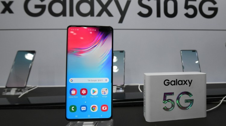 Samsung just released a 5G-compatible phone, but where is it even useful?