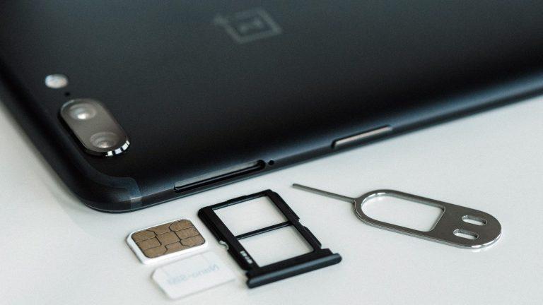 Что такое eSIM?  Стоит ли переходить на SIM-карту будущего