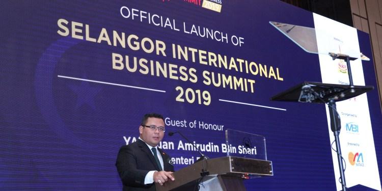 Y.A.B Tuan Amirudin Shari, Dato' Menteri Besar Selangor speaking at the official launch of Selangor International Business Summit 2019.