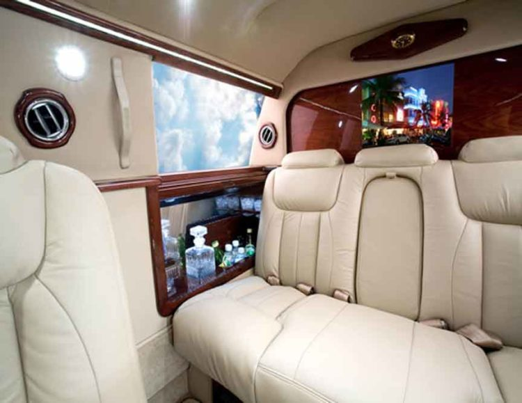 "Cadillac 130"" Dubai Edition"