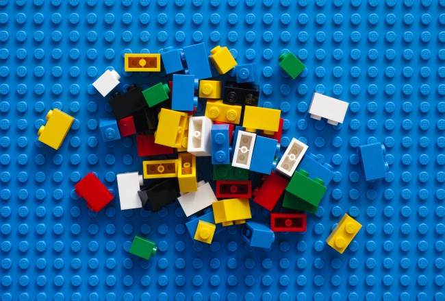 How to Find LEGO cheap - Pile of blocks