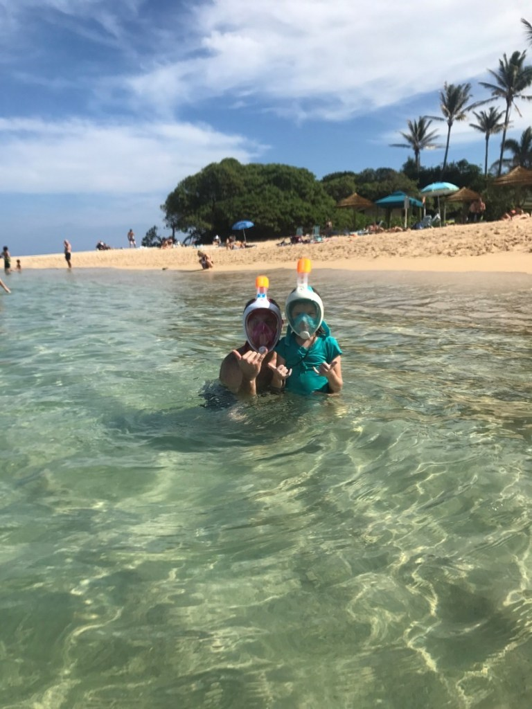 Planning a trip to Hawaii? Here are som of the Best Beaches in Oahu, Hawaii! #Hawaii #Oahu #hawaiibeaches #oahubeaches #Hawaiianvacation #beachvacation #Kuilima #kuilimacove #kuilimabeach #snorkeling