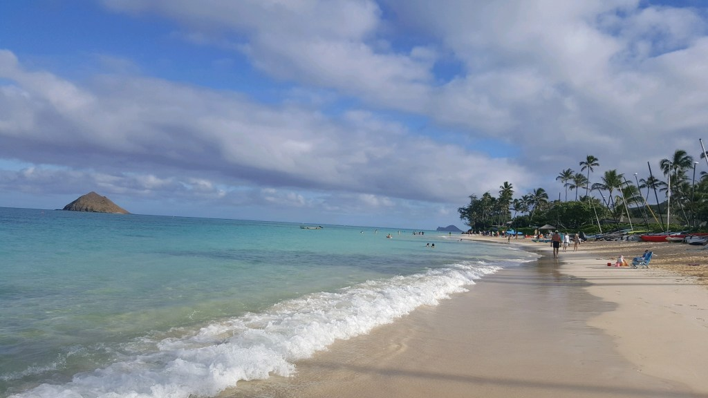 Planning a trip to Hawaii? Here are som of the Best Beaches in Oahu, Hawaii! #Hawaii #Oahu #hawaiibeaches #oahubeaches #Hawaiianvacation #beachvacation #Lanikai #lanikaibeach